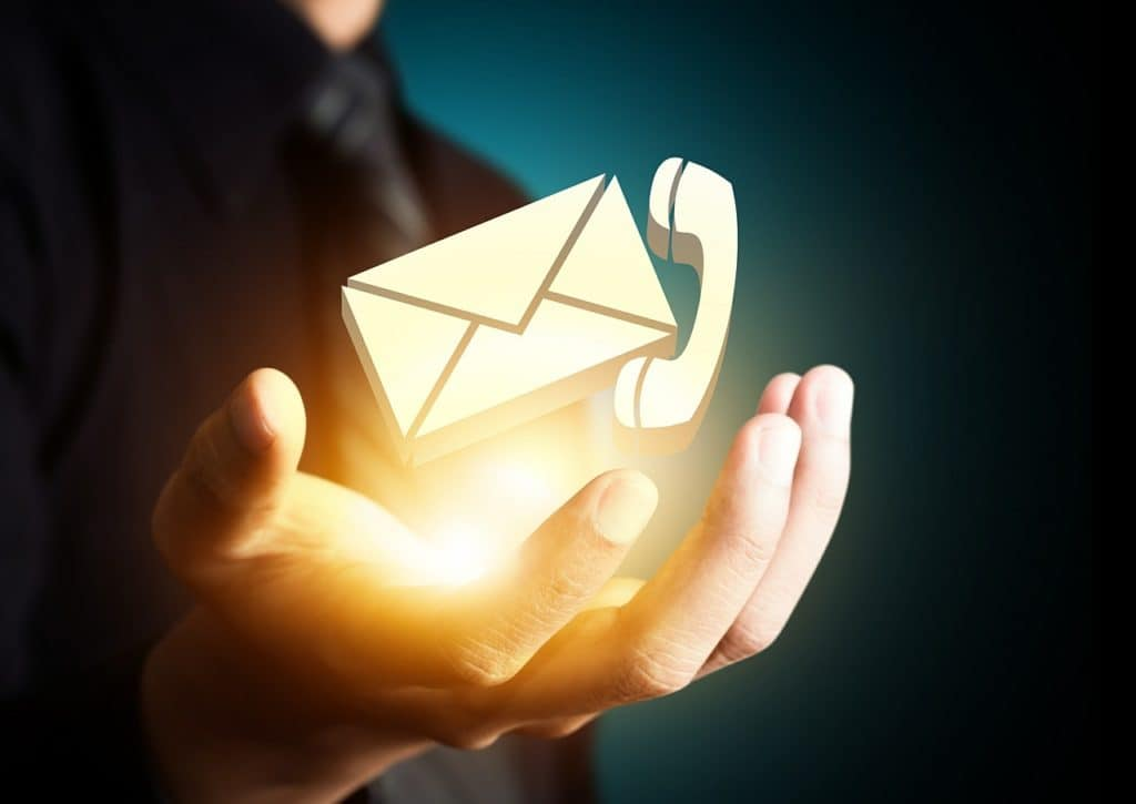 contact via mail of telefoon